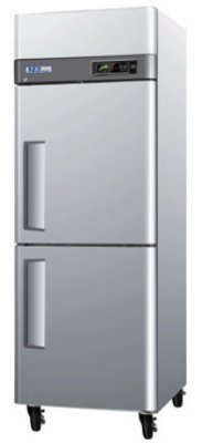 Turbo Air M3F24-2 Reach-In Freezer w/ 2-Section & Half Doors, Lock, 24-cu ft