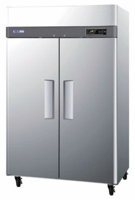 "Turbo Air M3R47-2 51.75"" Two Section Reach-In Refrigerator, (2) Solid Door, 115v"