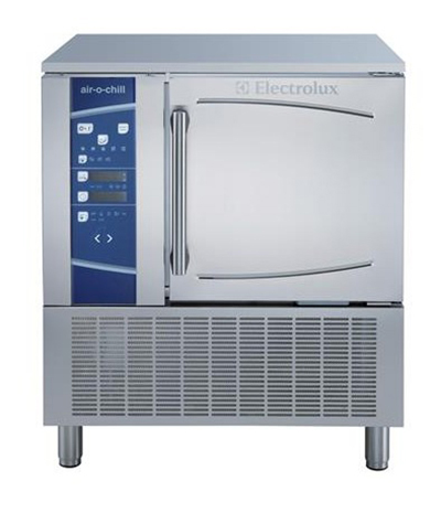 Electrolux 726672 Reach-In Blast Chiller Freezer w/ Cruise - 6-Pan & 66-lb Capacity, 208v