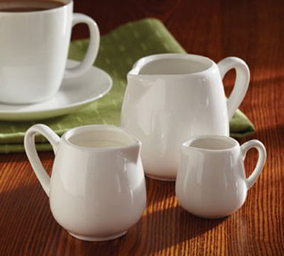 American Metalcraft PCR25 Creamer w/ 2.5-oz Capacity & Handle, Porcelain, Wh