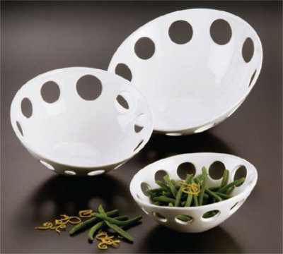 American Metalcraft PORR9 Holey Inclined Bowl 9 in Poreclain Restaurant Supply