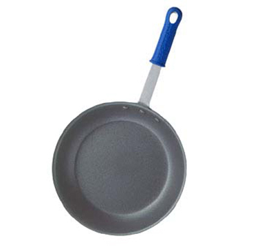 "Vollrath Z4010 10"" Wear-Ever Fry Pan - CeramiGuard Non-Stick, Silicone Insulated Handle, Aluminum"