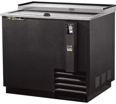 "True TD-36-12 36.75"" Forced Air 264-Capacity Bottle Cooler -Lid Locks, 115v"