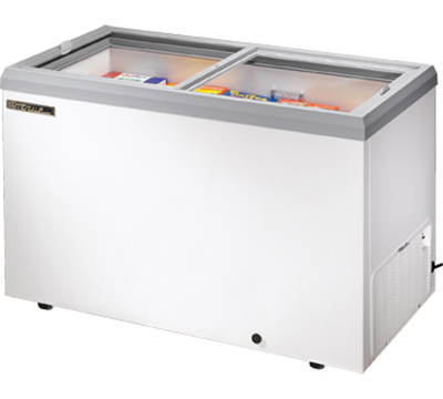 "True TFM-51FL 51"" Horizontal Freezer - 2-Flat Sliding Lids, White"